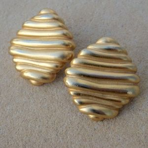 Vintage Gold Tone Textured Wave Post Earrings